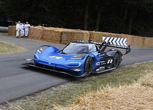 La Volkswagen ID. R et Romain Dumas à Goodwood