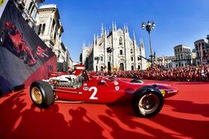 Los históricos Ferrari en el escenario: F2002, F1-85, 162C2, 312T3 y 312