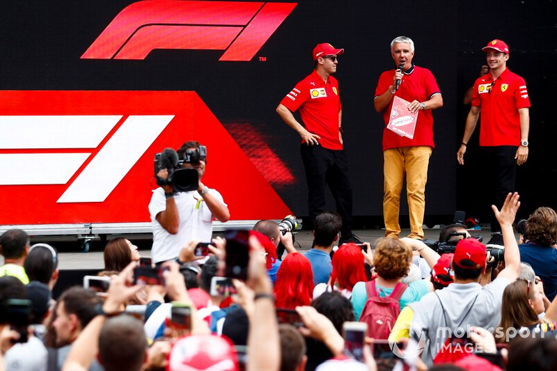 Sebastian Vettel, Ferrari e Charles Leclerc, Ferrari sul palco nella fan zone