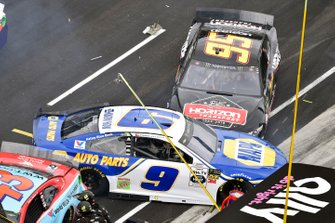 Chase Elliott, Hendrick Motorsports, Chevrolet Camaro NAPA AUTO PARTS and Matt DiBenedetto, Leavine Family Racing, Toyota Camry Horizon Transport