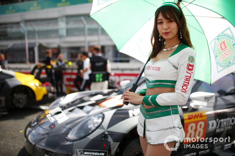 #88 Dempsey-Proton Racing Porsche 911 RSR: Thomas Preining