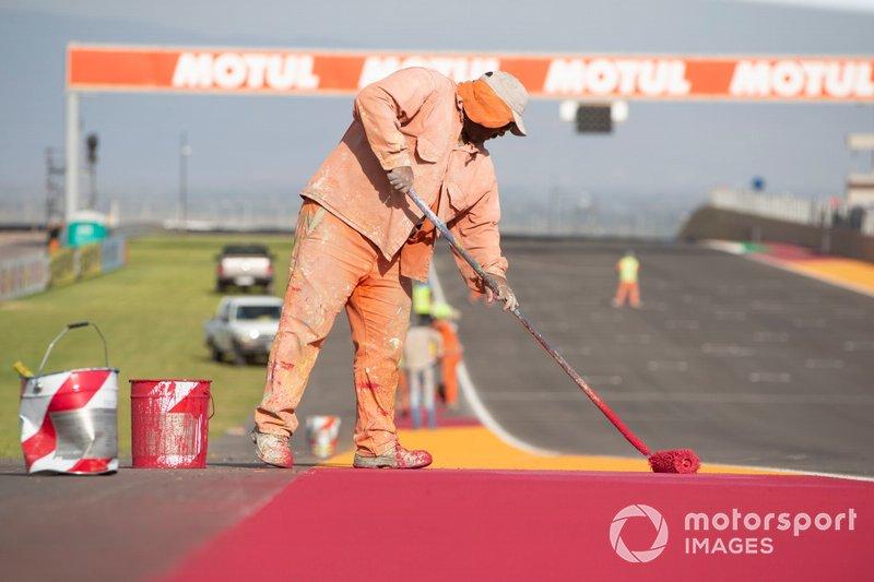Säuberung der Strecke: Circuit San Juan Villicum