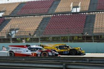 Майк Конвей, Камуи Кобаяши и Хосе Мария Лопес, Toyota Gazoo Racing, Toyota TS050 Hybrid (№7); Фриц ван Эрд, Гидо ван дер Гарде и Ник де Врис, Racing Team Nederland, Oreca 07 (№29)