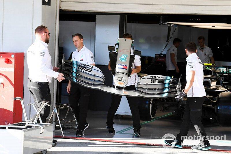 Ala anteriore della Mercedes AMG F1 W10