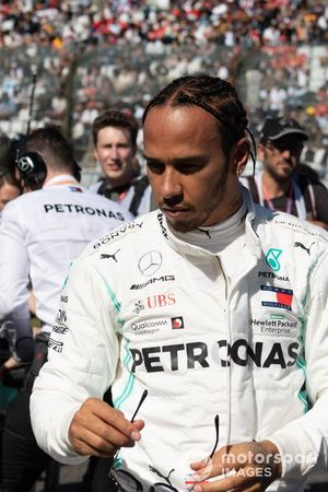 Lewis Hamilton, Mercedes AMG F1, sulla griglia