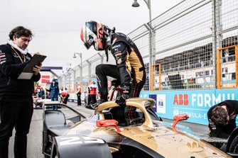 Jean-Eric Vergne, DS Techeetah climbs out of his DS E-Tense FE20