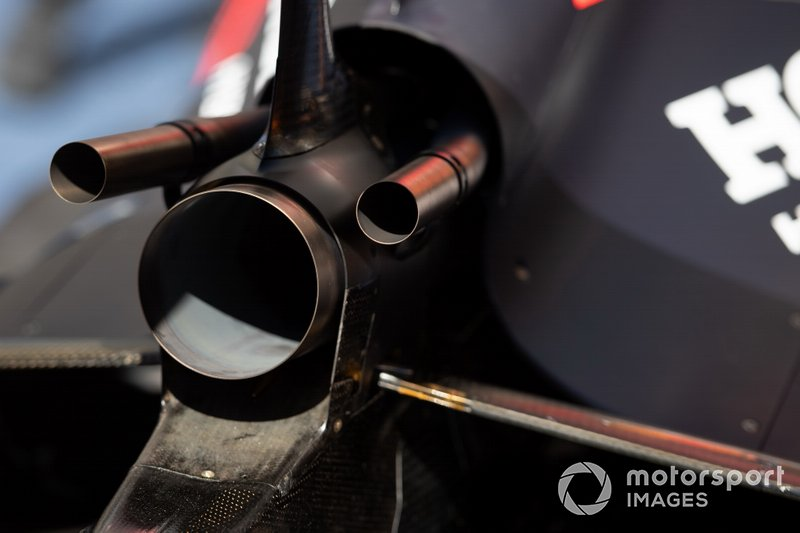 Red Bull Racing RB15 uitlaat detail