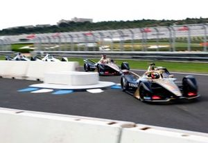 Antonio Felix da Costa, DS Techeetah, DS E-Tense FE20 ahead of Jean-Eric Vergne, DS TECHEETAH, DS E-Tense FE20, Felipe Massa, Venturi Formula E, EQ Silver Arrow 01