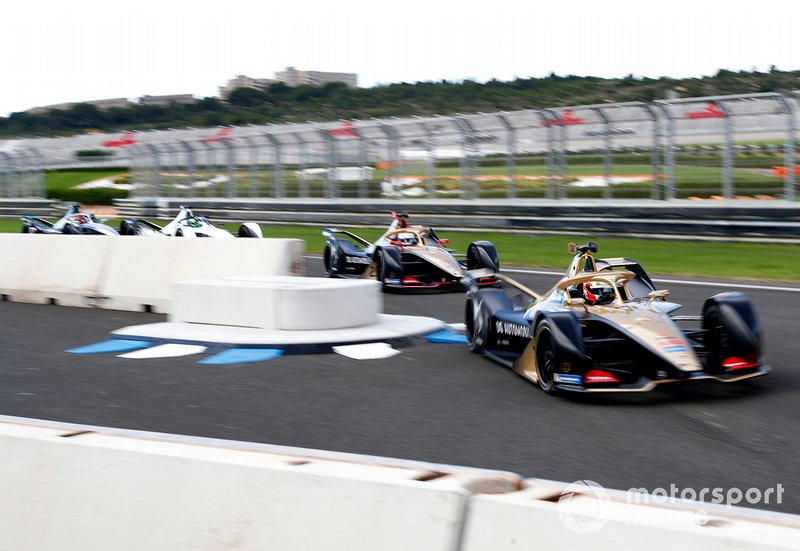 Antonio Felix da Costa, DS Techeetah, DS E-Tense FE20 ahead of Jean-Eric Vergne, DS TECHEETAH, DS E-Tense FE20, Felipe Massa, Venturi Formula E, EQ Silver Arrow 01