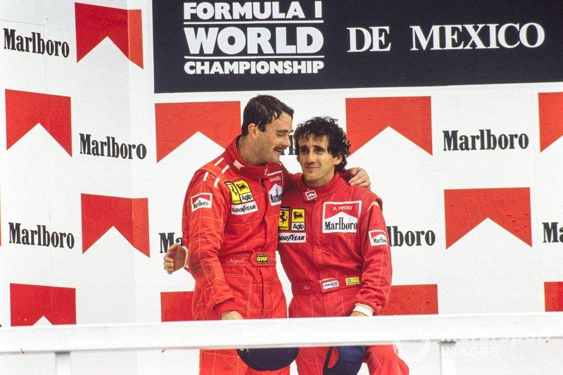 Podio: il vincitore della gara Alain Prost, Ferrari. Secondo classificato Nigel Mansell, Ferrari al GP del Messico del 1990