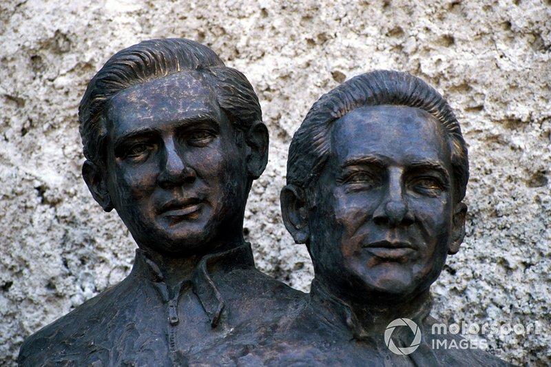 Statue di Pedro Rodriguez e Ricardo Rodriguez al GP del Messico del 1986