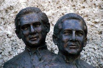 Estatuas de Pedro Rodríguez y Ricardo Rodríguez