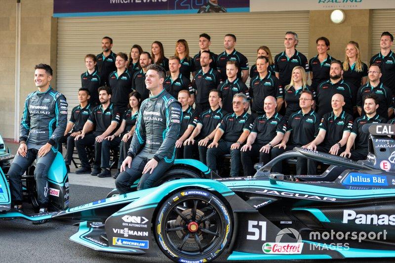 Mitch Evans, Jaguar Racing, Jaguar I-Type 4, James Calado, Jaguar Racing, Jaguar I-Type 4 con il team