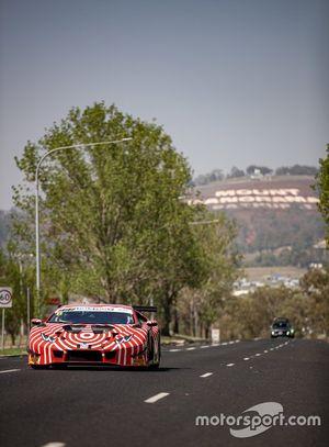 Адриан Дайтц, Антонио д'Альберто и Джулиан Вествуд, Cameron McConville, Wall Racing, Lamborghini Hurracan GT3 (№6)
