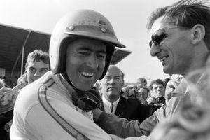 Il vincitore della gara Jack Brabham, al GP d'Olanda del 1966