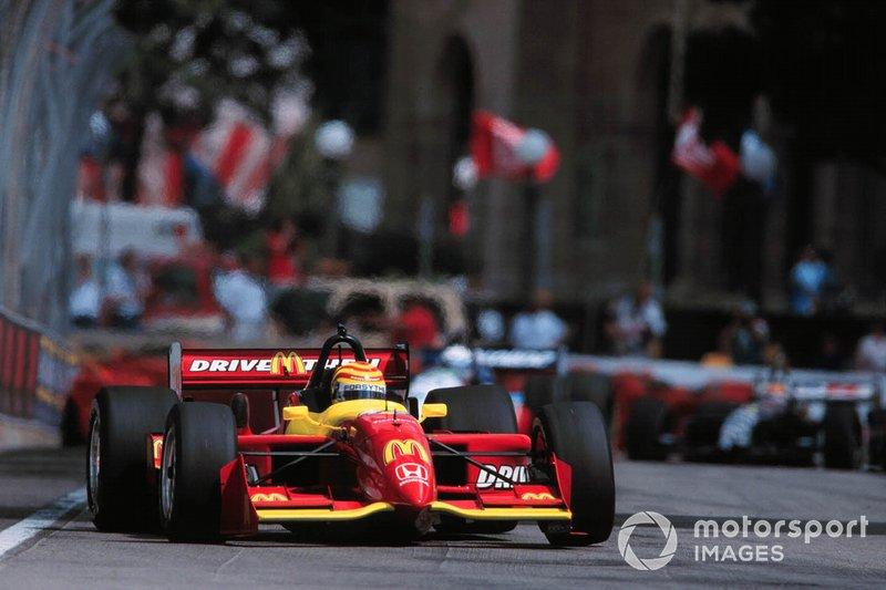 Tony Kanaan começou sua carreira na Indy (CART) em 1998, pela Tasman, vindo de uma campanha vitoriosa na Indy Lights, em 1997.