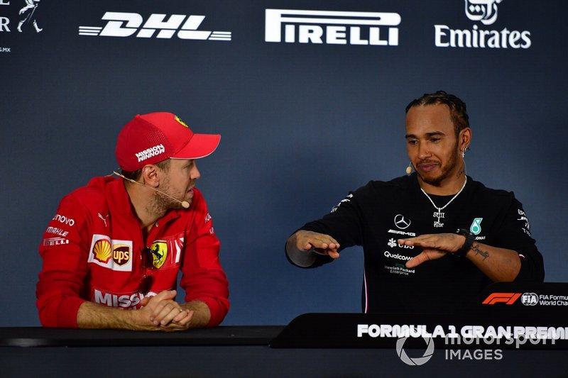 Победитель Льюис Хэмилтон, Mercedes AMG F1, второе место – Себастьян Феттель, Ferrari