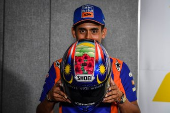 New helmet of Hafizh Syahrin, Red Bull KTM Tech 3