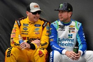 Kurt Busch, Chip Ganassi Racing, Chevrolet Camaro AdventHealth and Michael McDowell, Front Row Motorsports, Ford Mustang Love's Travel Stops