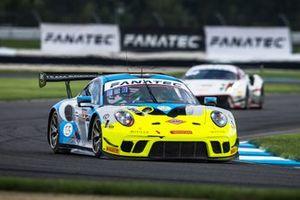 #16 EBM Giga Racing Porsche GT3-R : Adrian D'Silva, Jeff Kingsley, Nicholas Boulle