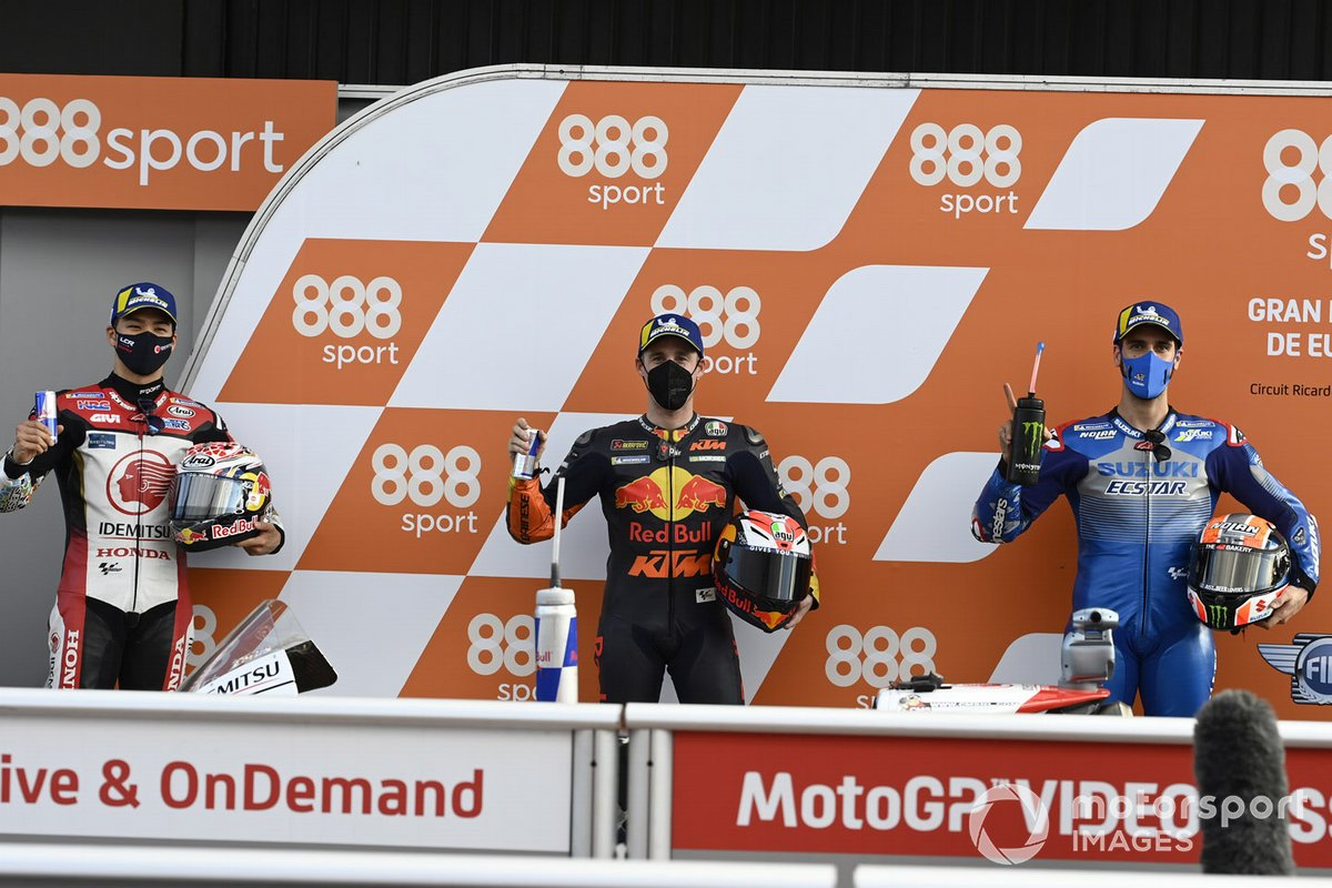 Il Polesitter Pol Espargaro, Red Bull KTM Factory Racing, secondo posto Alex Rins, Team Suzuki MotoGP, terzo posto Takaaki Nakagami, Team LCR Honda