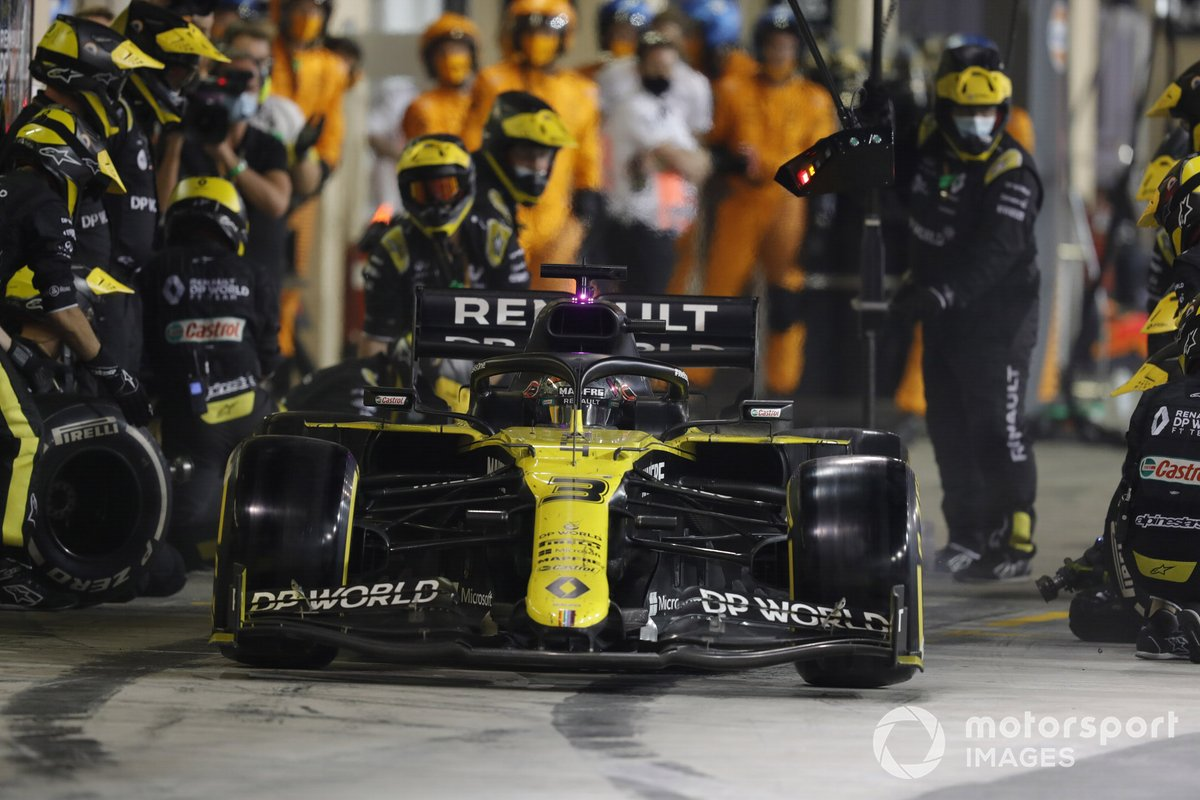 Daniel Ricciardo, Renault F1 Team R.S.20, lascia i box