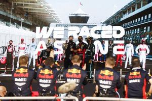 Valtteri Bottas, Mercedes-AMG F1, 2nd position, Paul Monaghan, Chief Engineer, Red Bull Racing, Max Verstappen, Red Bull Racing, 1st position, and Lewis Hamilton, Mercedes-AMG F1, 3rd position, on the podium
