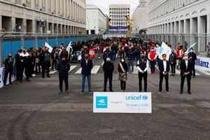 Alberto Longo, Deputy CEO, Chief Championship Officer of Formula E, Jean Todt, President, FIA, Virginia Raggi, Mayor of Rome, Alejandro Agag, Chairman of Formula E, Jamie Reigle, CEO of Formula E, on the grid in support of Unicef
