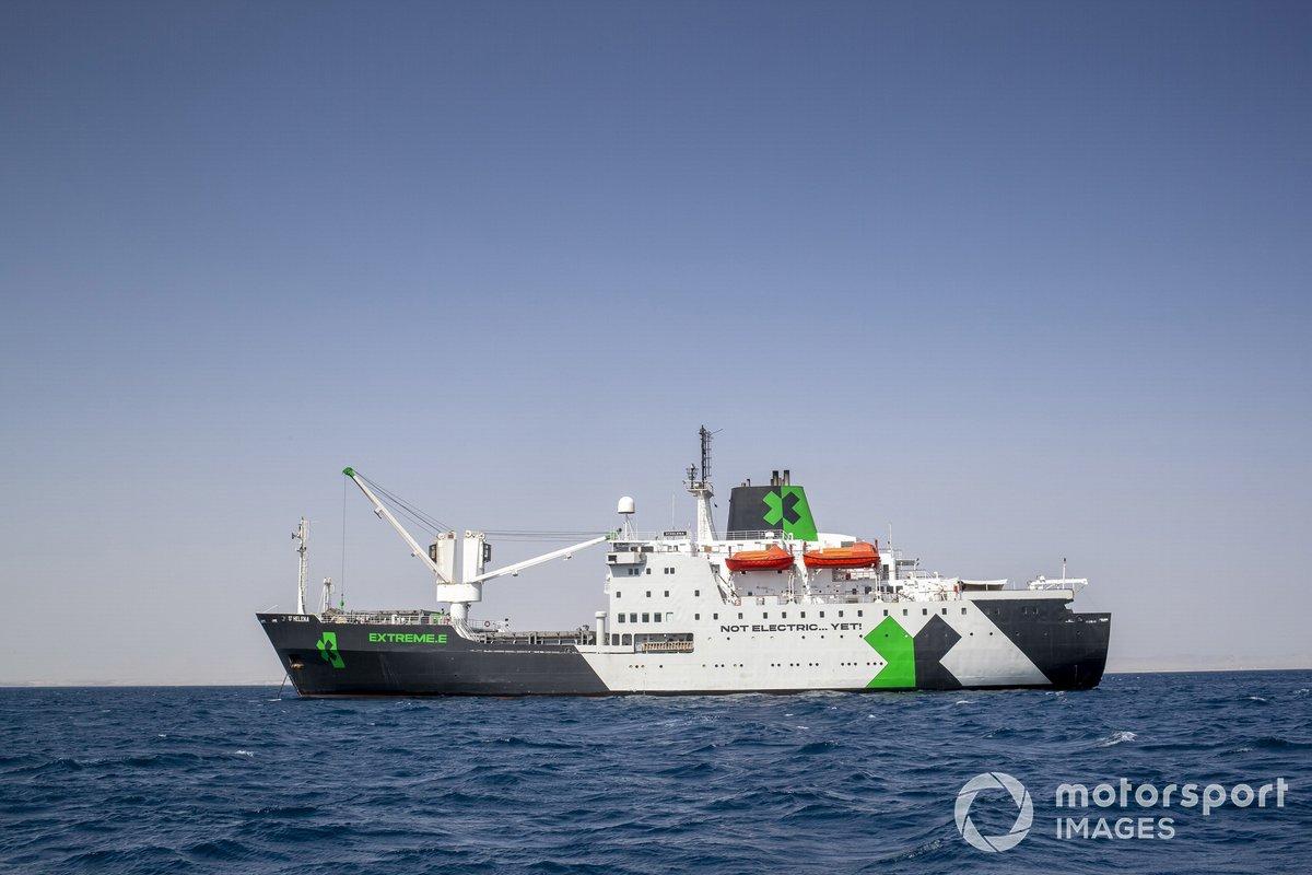 El buque, RMS St. Helena, el paddock flotante de la Extreme E