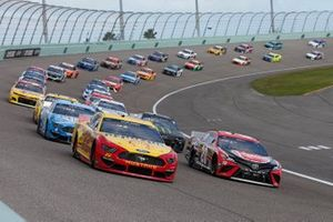 Joey Logano, Team Penske, Ford Mustang Shell Pennzoil, Christopher Bell, Joe Gibbs Racing, Toyota Camry Rheem