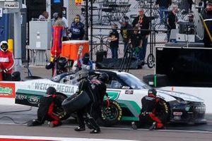 Kyle Weatherman, Mike Harmon Racing, Chevrolet Camaro pit stop