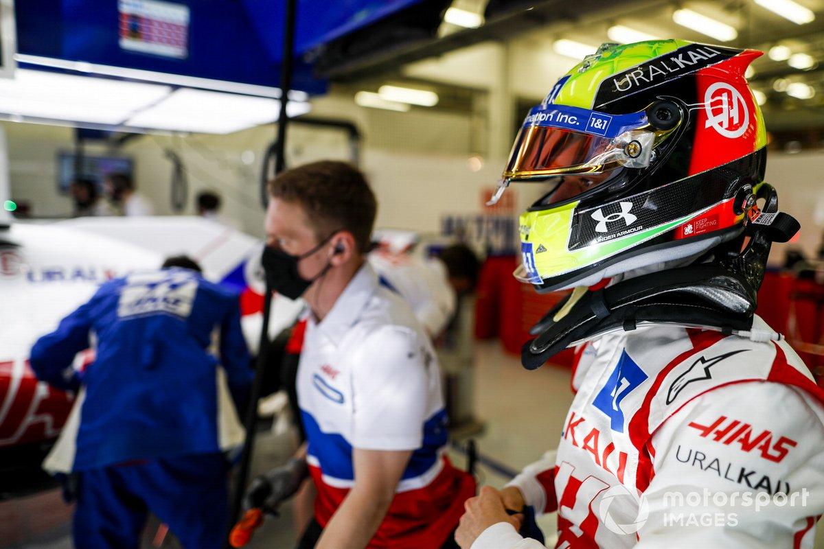 Mick Schumacher, Haas F1 dans le garage