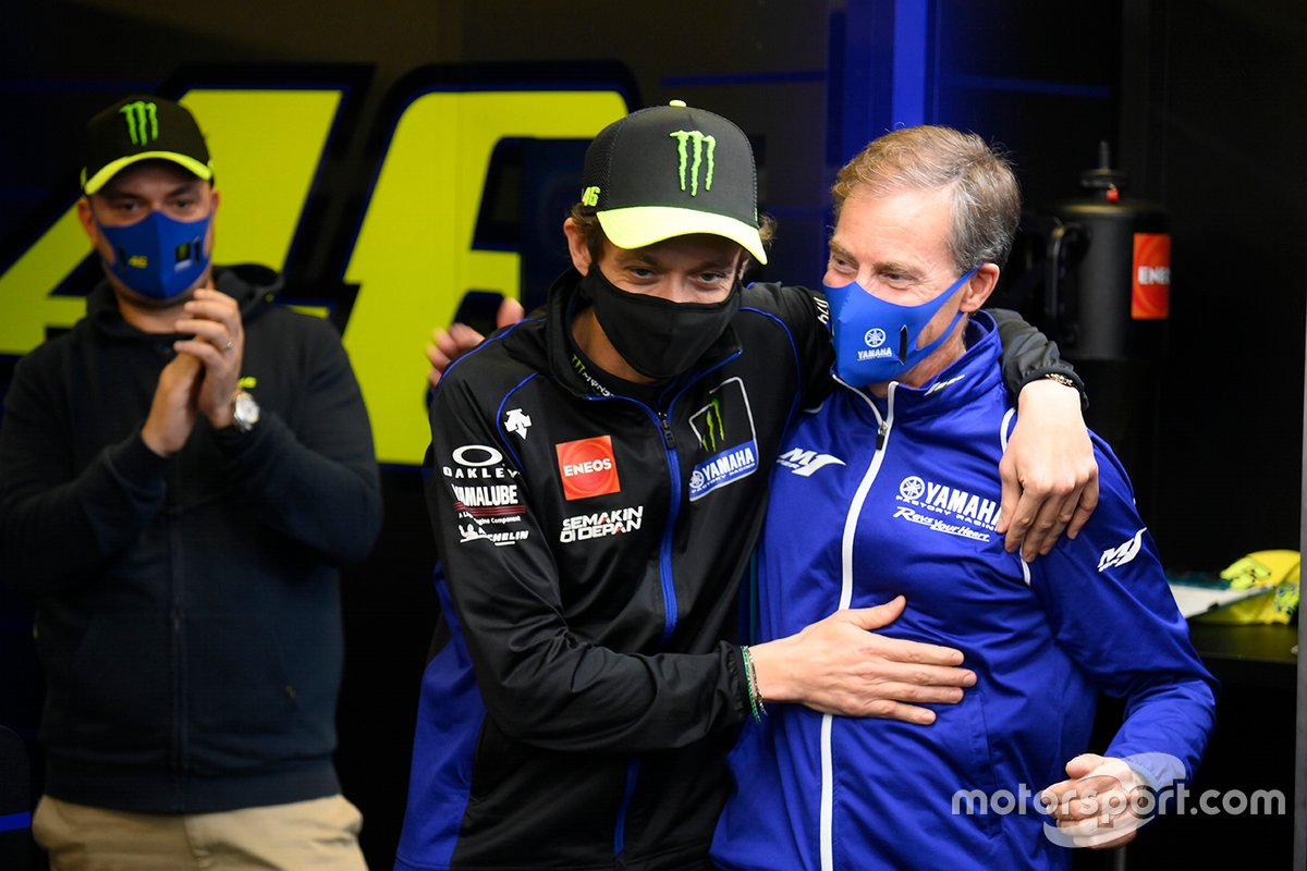 Valentino Rossi e Lin Jarvis all'evento Yamaha Factory Racing