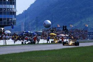 Satoru Nakajima, Lotus 99T