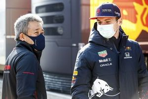Max Verstappen, Red Bull Racing en Masashi Yamamoto, General Manager, Honda Motorsport