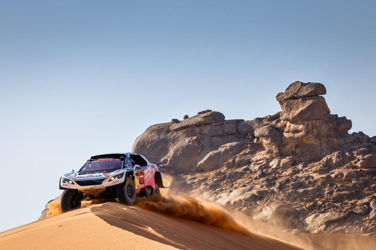 #310 Abu Dhabi Racing Peugeot: Sheikh Khalid Al Qassimi, Xavier Panseri
