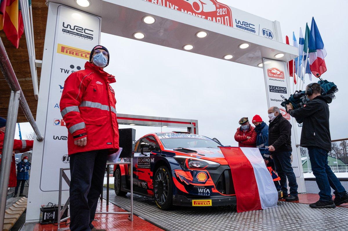 Thierry Neuville, Martijn Wydaeghe, Hyundai Motorsport Hyundai i20 Coupe WRC memulai Reli Monte Carlo