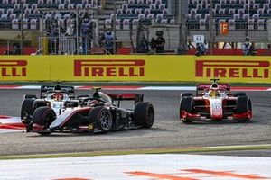 Callum Ilott, UNI-Virtuosi leads Mick Schumacher, Prema Racing and Marcus Armstrong, ART Grand Prix