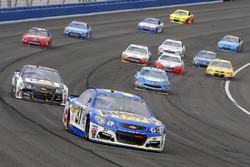 Chris Buescher, JTG Daugherty Racing Chevrolet and Ryan Newman, Richard Childress Racing Chevrolet
