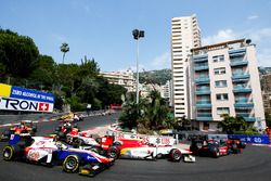 Start of the Formula 2 Race