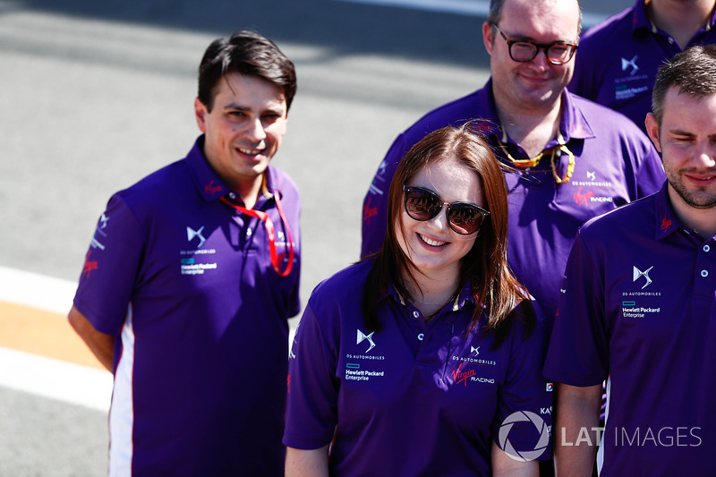 DS Virgin Racing crew