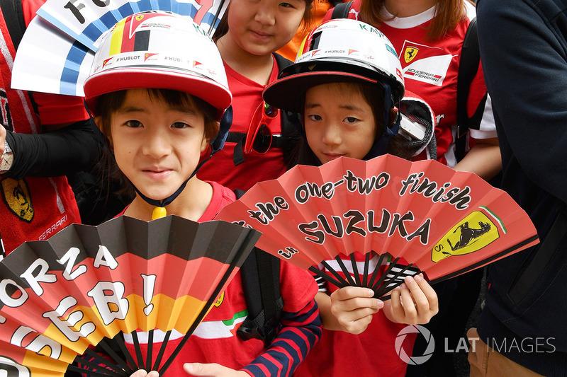 Юні уболівальники Ferrari