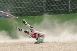 Eugene Laverty, Milwaukee Aprilia World Superbike Team crash