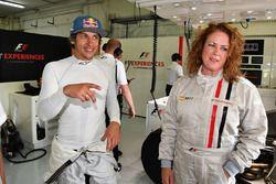 Patrick Friesacher, experiencia F1 Coche de 2 plazas Belinda Whiteside