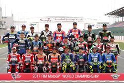 Gruppenfoto der MotoGP-Fahrer 2017