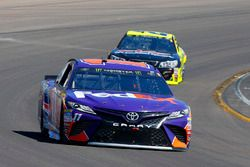 Denny Hamlin, Joe Gibbs Racing, Toyota; Paul Menard, Richard Childress Racing, Chevrolet