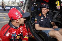 Max Verstappen, Red Bull Racing; Jamie Whincup, Triple Eight Race Engineering, Holden