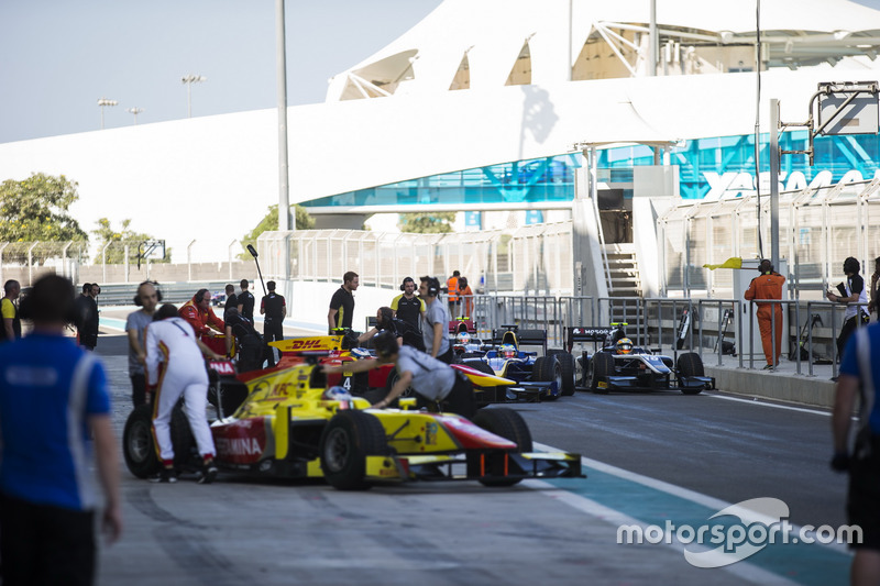 Cars of Johnny Cecotto Jr., Rapax; Oliver Rowland, DAMS y Artem Markelov, RUSSIAN TIME