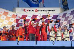 GT-Podium: 1. #5 DH Racing, Ferrari 488 GT3: Stéphane Lemeret, Michele Rugolo, Mattieu Vaxiviere; 2.