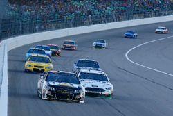 Ryan Newman, Richard Childress Racing Chevrolet, Clint Bowyer, Stewart-Haas Racing Ford